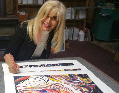 Lynn Jaanz painting signature